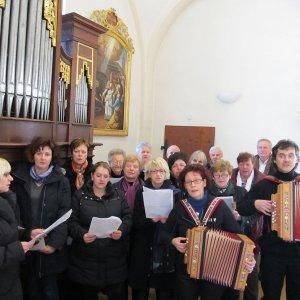 Chorbegleitung bei einer Trauerfeier in Hollenegg